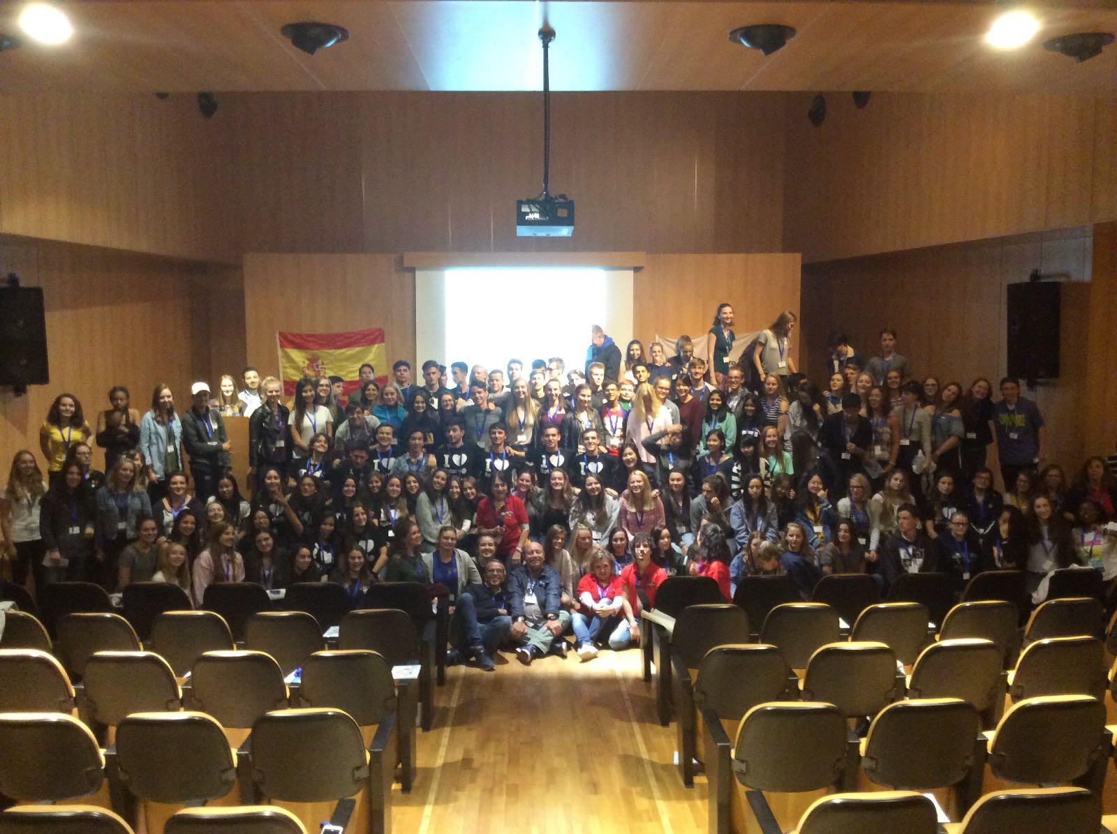 130 chicos de intercambio más los 23 rotex en Guadarrama.