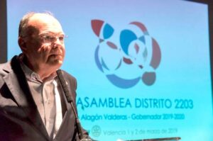 Arturo Alagón presentando la Asamblea de Valencia