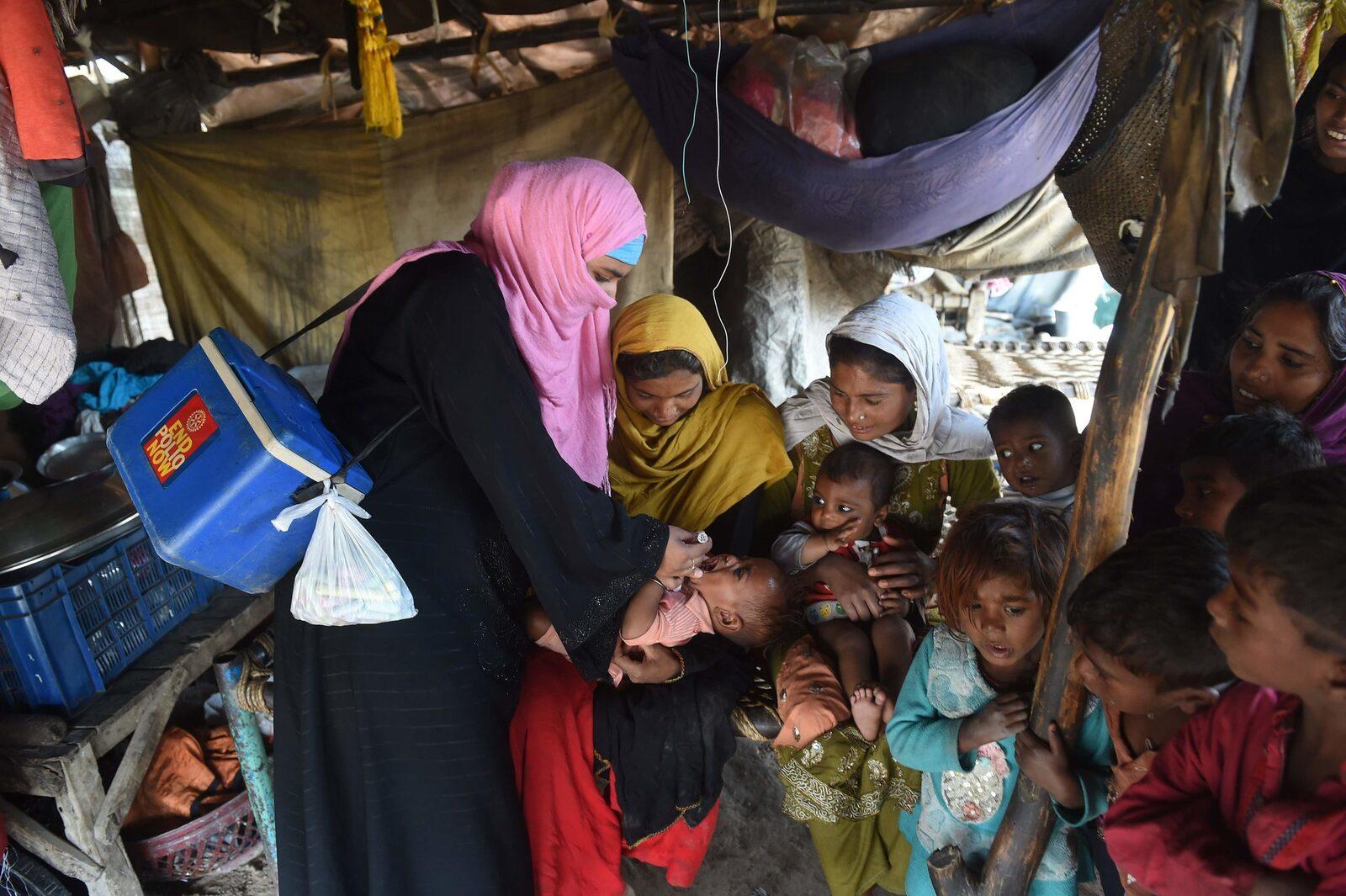 Aumentan casos de poliomielitis en Pakistán y Afganistán por culpa de los padres