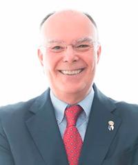 Arturo alagón, gobernador distrito 2203