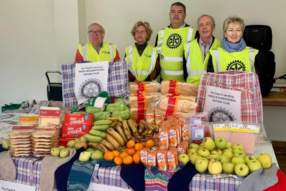 El Club Internacional Rotary de Mijas ayudó a 30 personas sin hogar durante las navidades