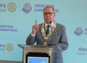 Javier Ygarza Gobernador del distrito 2203